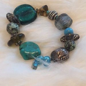 Stretch bracelet stones and beads
